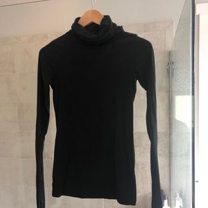 Theory thin fitted black turtleneck